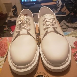 Dr. Martens Brand new Mono Shoes